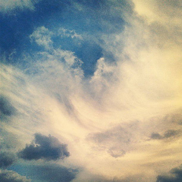 Sky #beautifulday #sky #clouds #picnic #denver