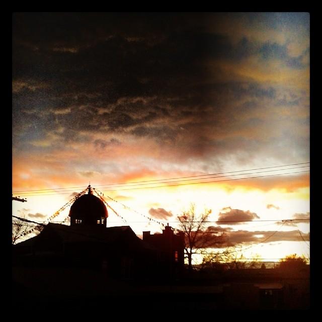 Cloudy sunset #Denver #west #mountains #sunset