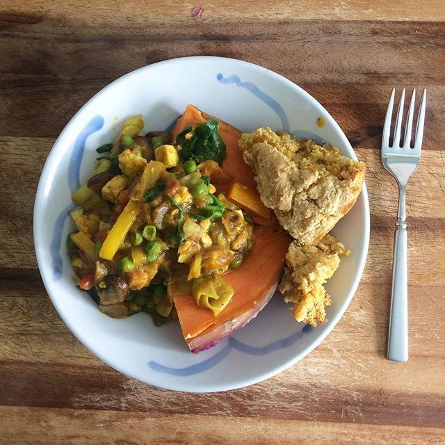 Sweet Potato with Moroccan spice veggies and leftover cornbread #vegan #food #leftovers #fok