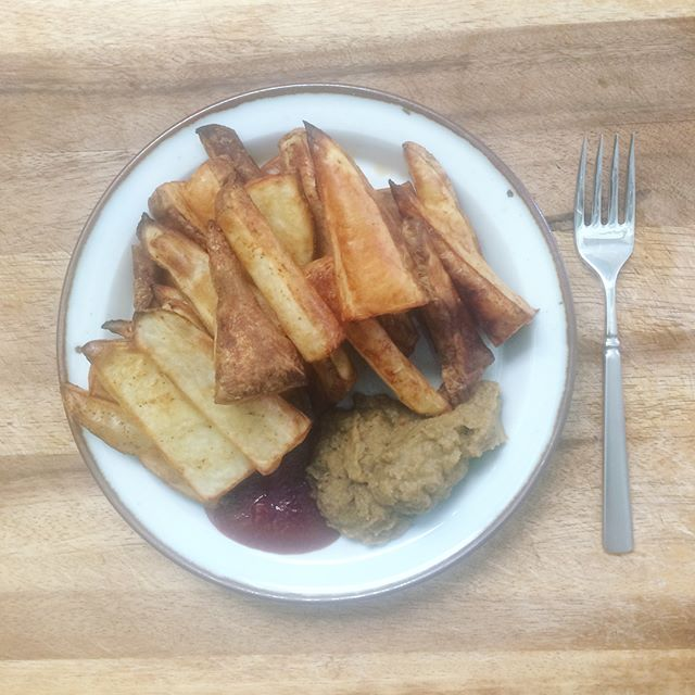 Tired of cheese sauce so I made eggplant hummus. Yum  #vegan #bakedfries #wslf #potatoreset